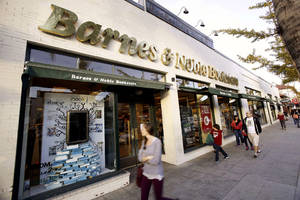 No hook for Nook sends Barnes & Noble stock soaring